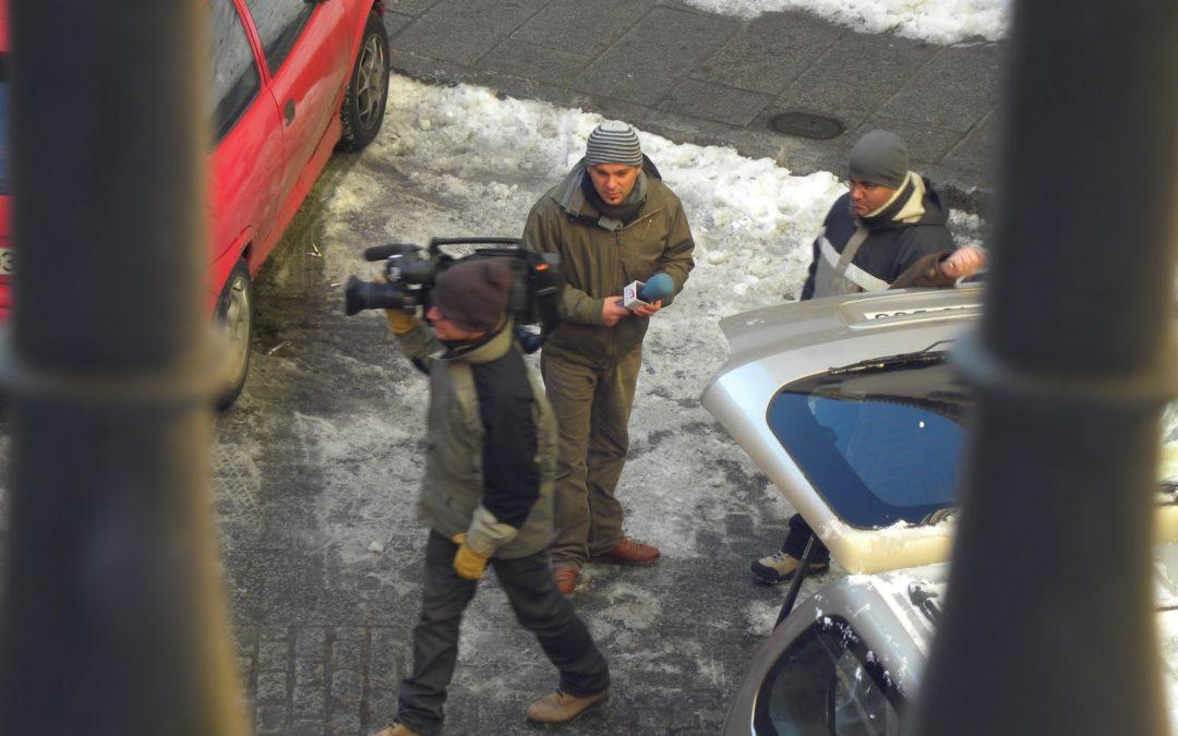 Medios nacionales visitan Cuenca por la nieve de los últimos días