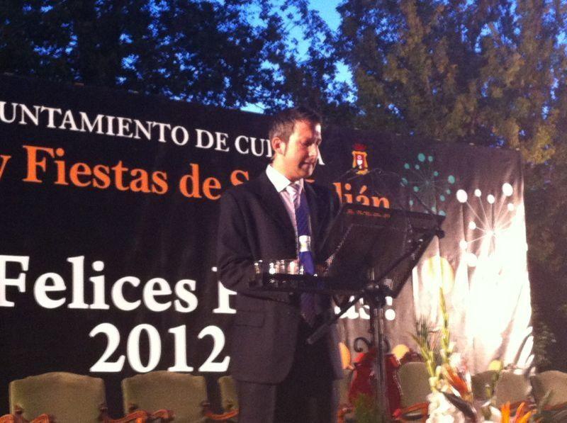 «Elegante» presentación de Álvaro Police en el inicio de las fiestas
