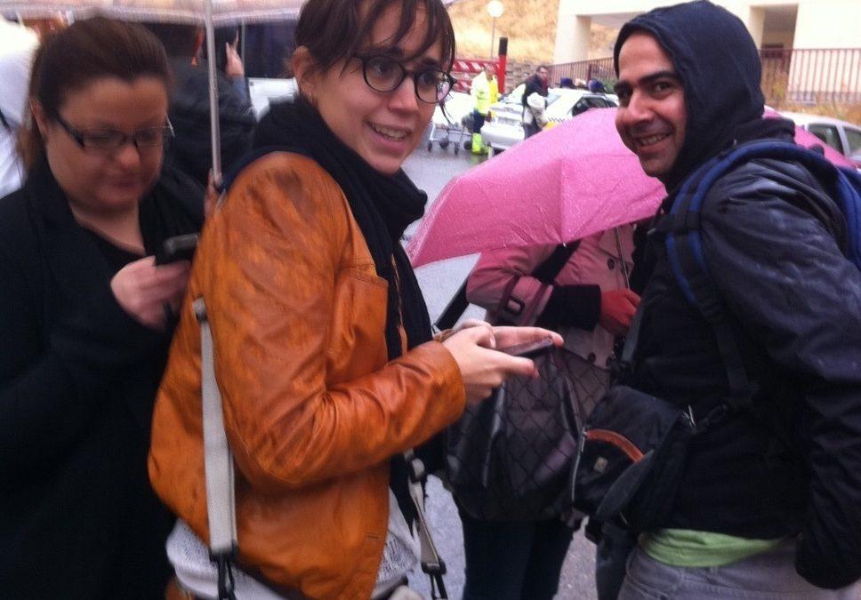 Prensa peoples bajo la lluvia