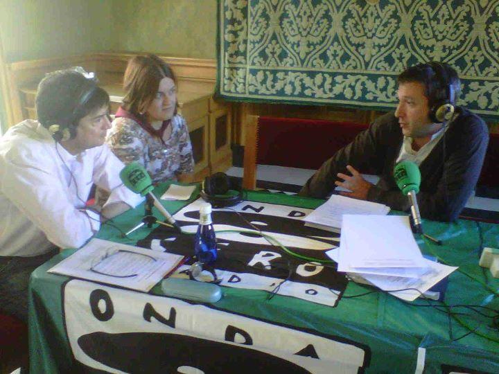 Emisoras de radio conquenses retransmiten en directo desde el punto álgido de la fiesta de San Mateo