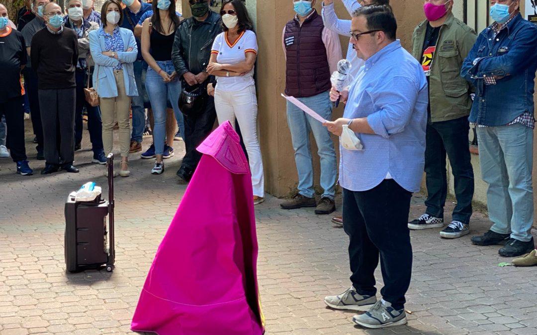 Leo Cortigol lee el manifiesto en defensa del arte taurino