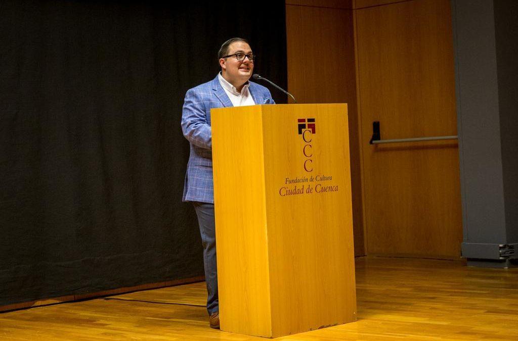 Leo Cortigol saca el capote en la presentación de la Feria Taurina 2019