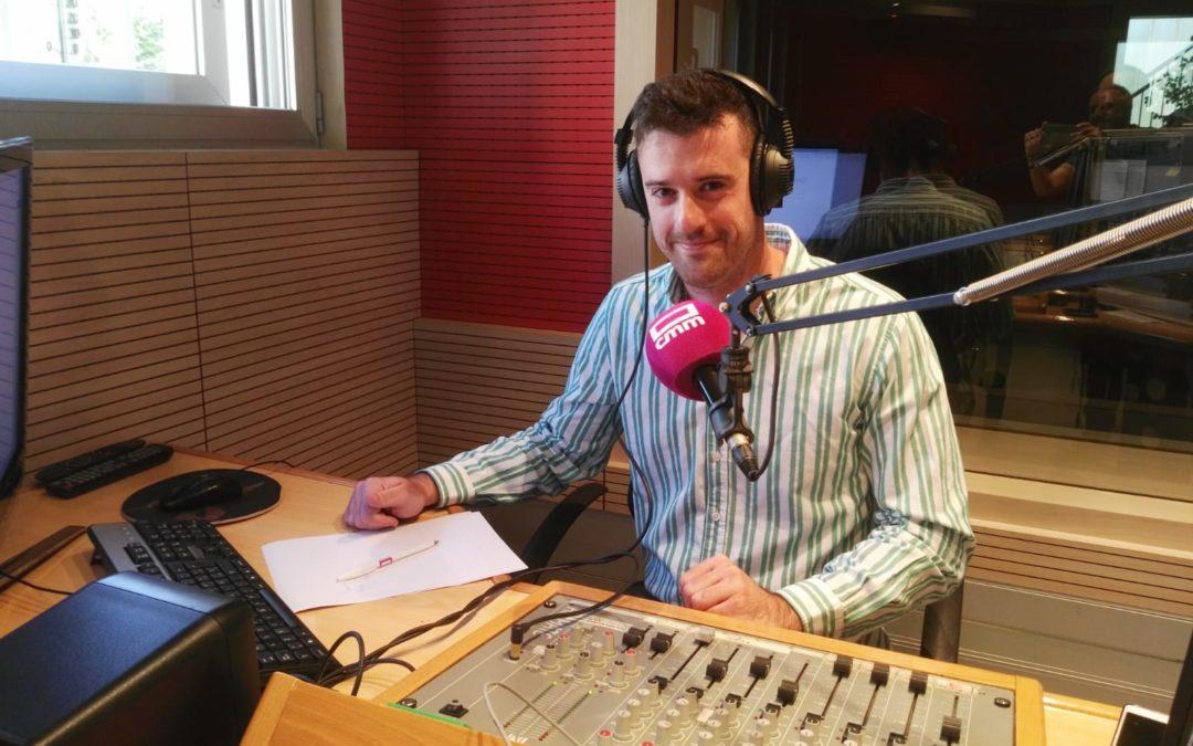 Juanin Santo de colaborador en la radio de CMMedia Cuenca