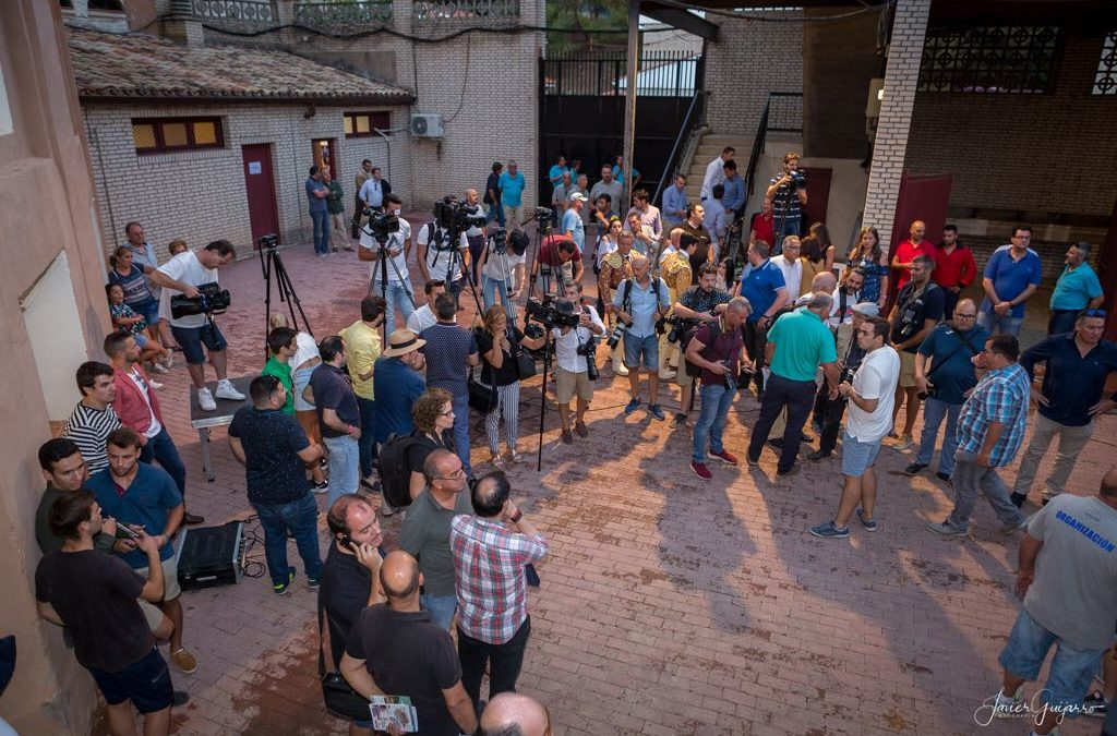 Jesulín desata la locura de medios en la plaza de toros de Cuenca