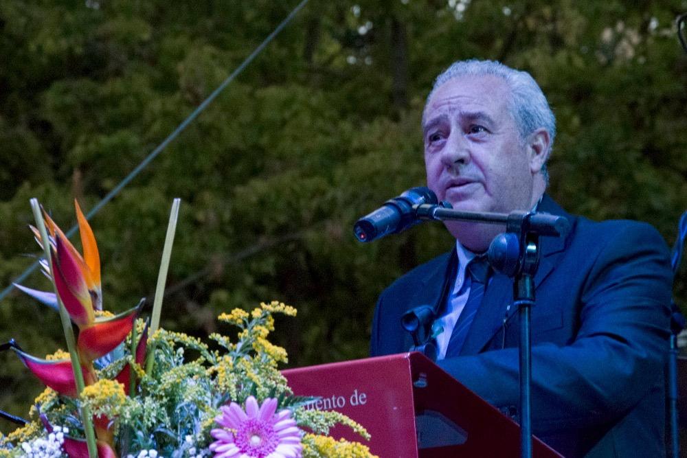 Pepe Monreale presenta el acto del pregón de San Julián