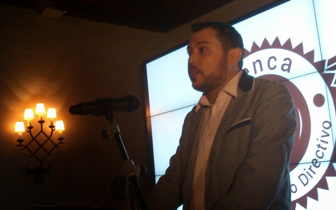 Jota Jout presenta el encuentro directivo de «su grupo»