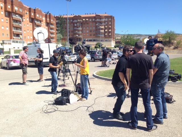 «Locura» de medios en Cuenca por el trágico suceso de Laura y Marina
