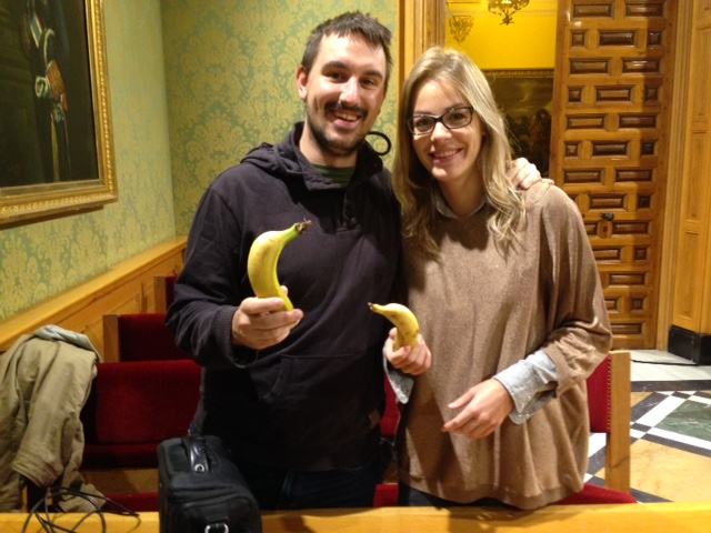 Plátanos para «combatir» el último pleno