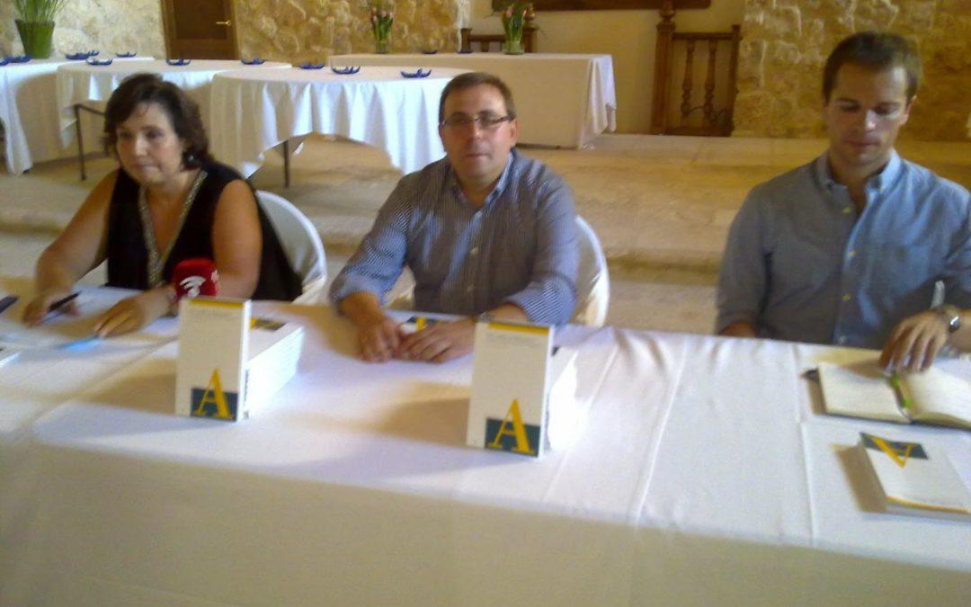 Libro sobre el Castillo de Belmonte