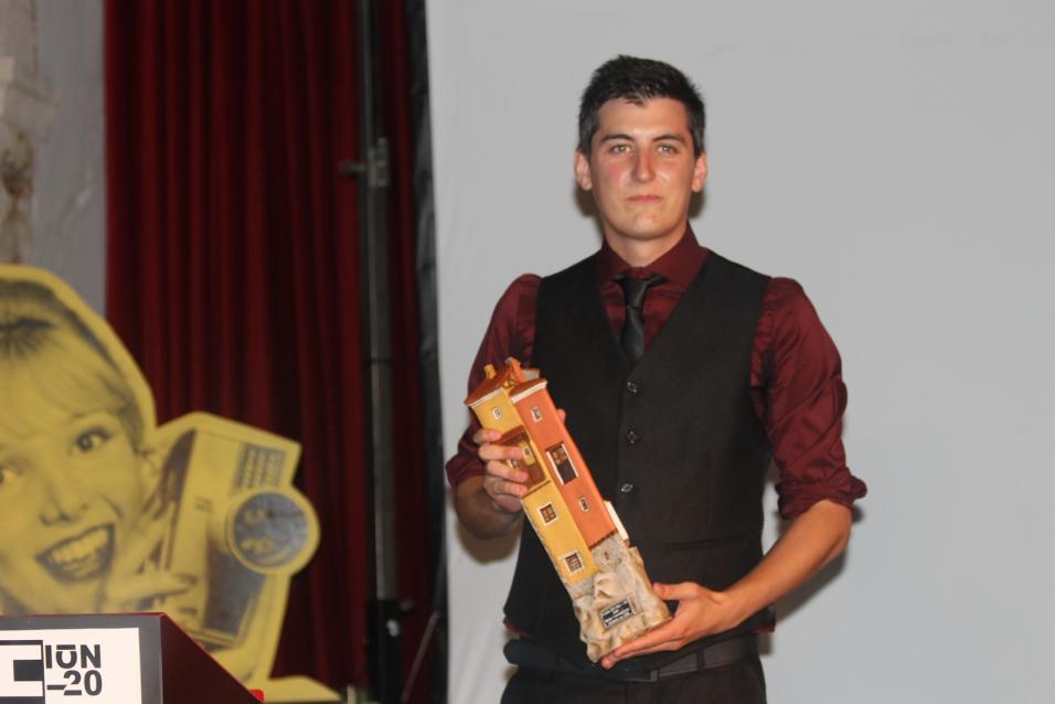 Premio para Daymon por su corto y en su ciudad