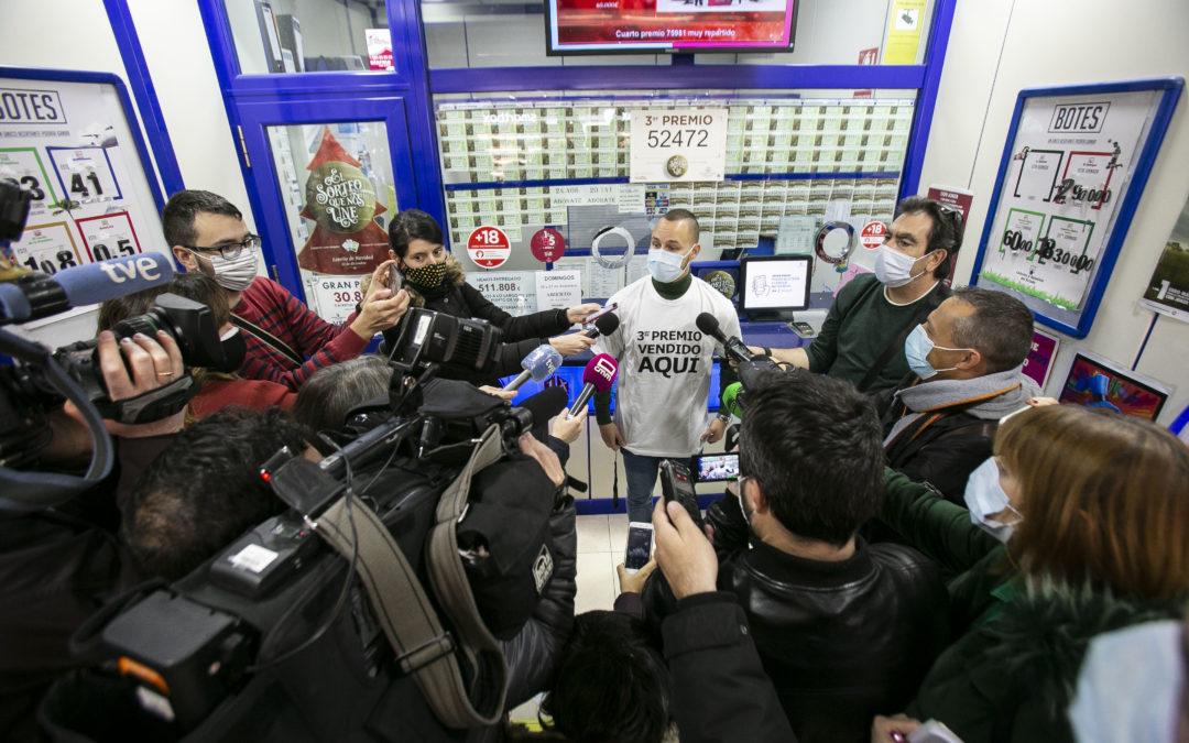 Tercer Premio de la Lotería de Navidad seguido por peoples en Cuenca