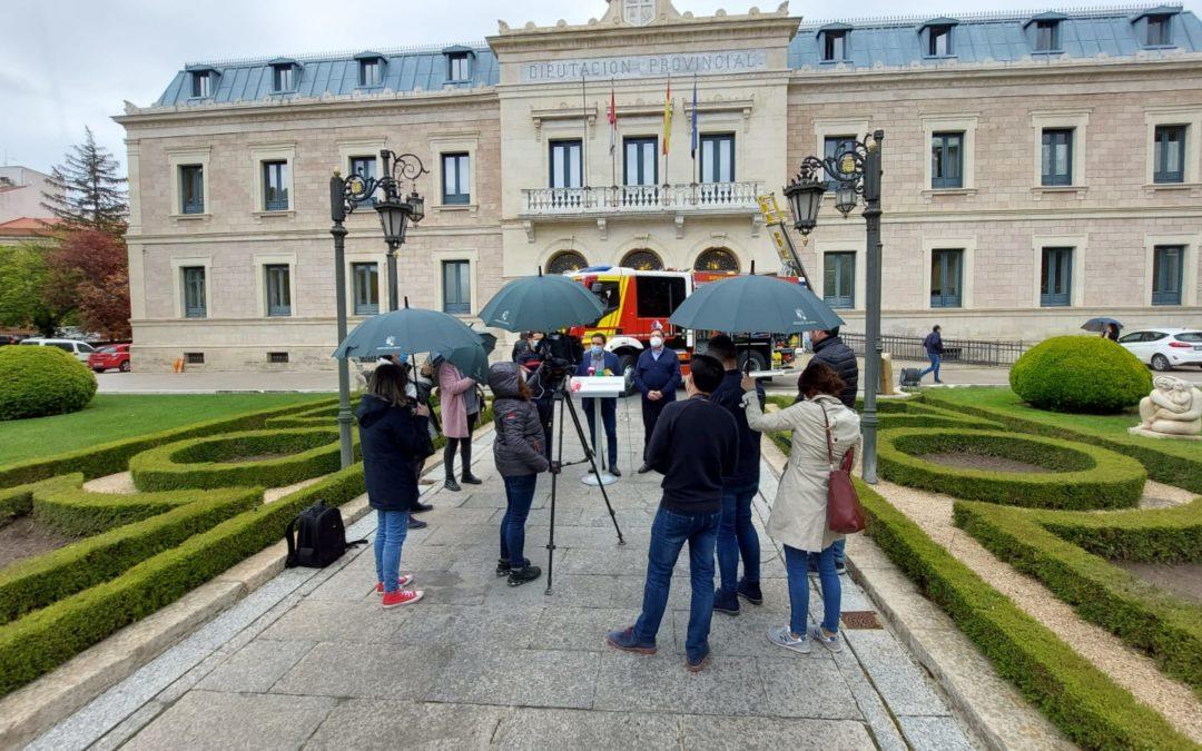 Paraguas con el sello Dipu para prensa peoples
